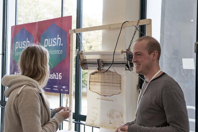 Lars Presenting Pyrograph at Push Conference